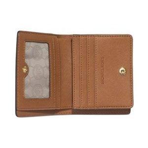 ♡New Michael Kors Jet Set Saffiano Wallet♡